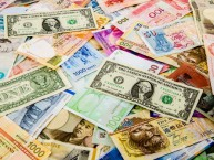 Banking-and-Currency-Tips-for-Traveling-Abroad